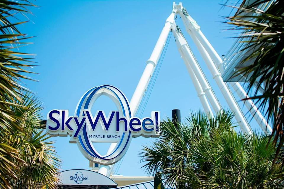 The first pieces of the Myrtle Beach SkyWheel arrived on the boardwalk Wednesday afternoon. For its 10th Anniversary, the SkyWheel shut down and was shipped back to Kansas to its manufacturer to be refurbished.