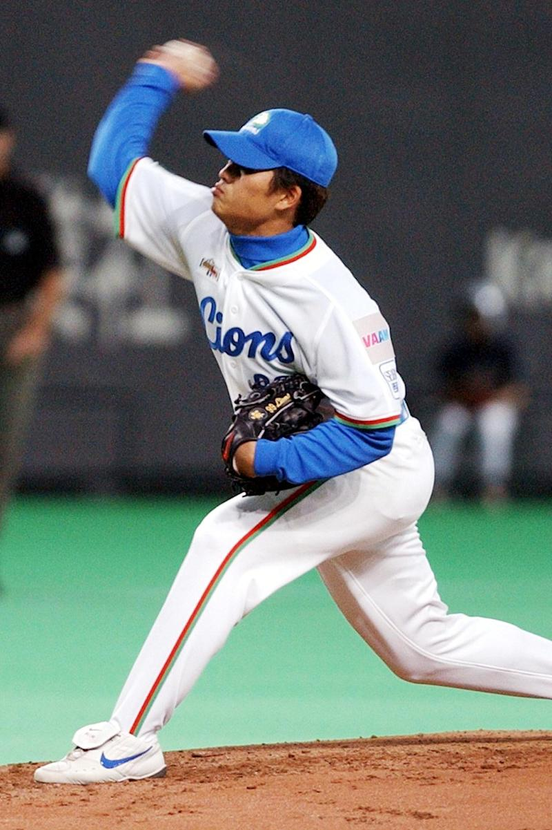 Former star pitcher Chang Chih-chia during a match in Japan on November 14, 2002