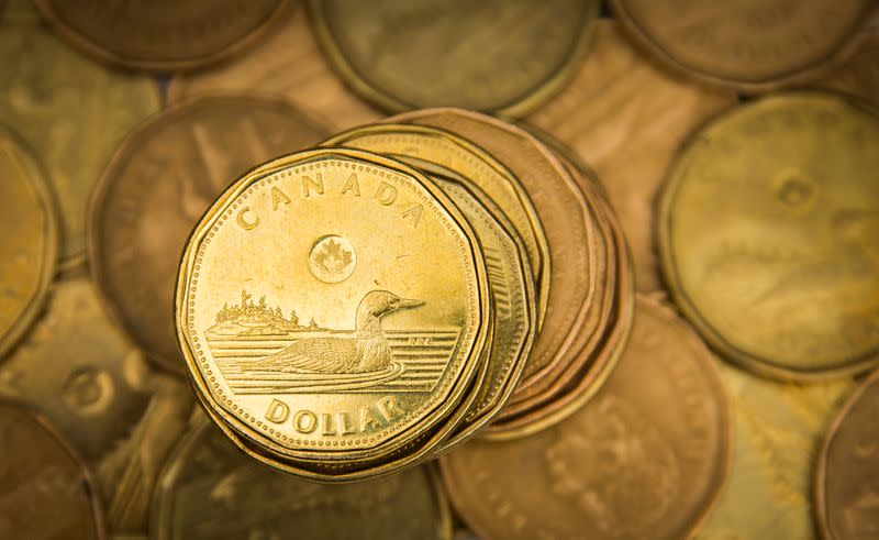 Canadian dollar climbs to near one-week high on dovish Fed