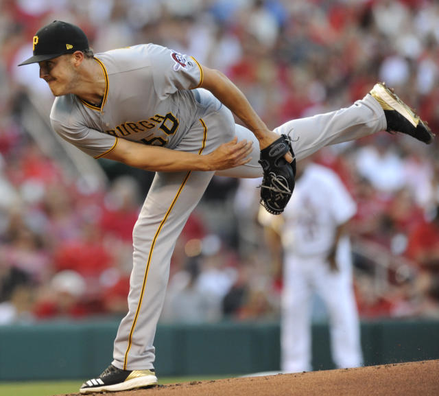 St. Louis Cardinals starting pitcher Miles Mikolas (39) throws to a Pittsburgh Pirates batter during the first inning of a baseball game Friday, June 1, 2018, at Busch Stadium in St. Louis. (AP Photo/Bill Boyce)