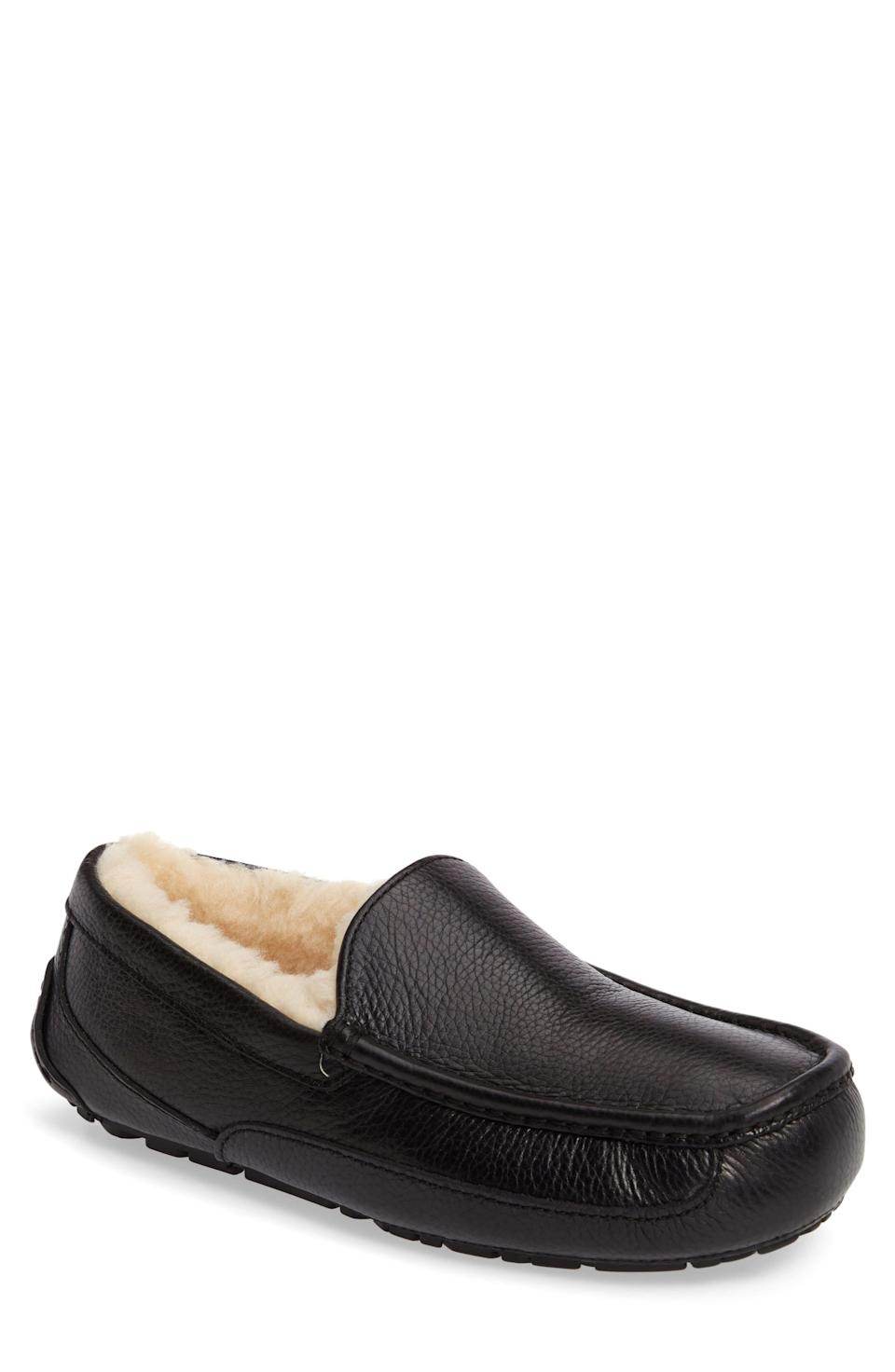 """<p><strong>UGG\u003CSUP\u003E\u003C\u002FSUP\u003E</strong></p><p>nordstrom.com</p><p><strong>$119.95</strong></p><p><a href=""""https://go.redirectingat.com?id=74968X1596630&url=https%3A%2F%2Fwww.nordstrom.com%2Fs%2Fugg-ascot-leather-slipper-men%2F2820668&sref=https%3A%2F%2Fwww.menshealth.com%2Ftechnology-gear%2Fg35184277%2Fvalentines-day-gifts-for-men%2F"""" rel=""""nofollow noopener"""" target=""""_blank"""" data-ylk=""""slk:BUY IT HERE"""" class=""""link rapid-noclick-resp"""">BUY IT HERE</a></p><p>UGGs aren't just for basics anymore. These classic leather slippers will be a welcome addition to his work-from-home shoe collection.</p><p><strong><a href=""""https://www.menshealth.com/style/g28541900/best-slippers-for-men/"""" rel=""""nofollow noopener"""" target=""""_blank"""" data-ylk=""""slk:Check Out the Best Slippers for Men"""" class=""""link rapid-noclick-resp"""">Check Out the Best Slippers for Men</a></strong></p>"""