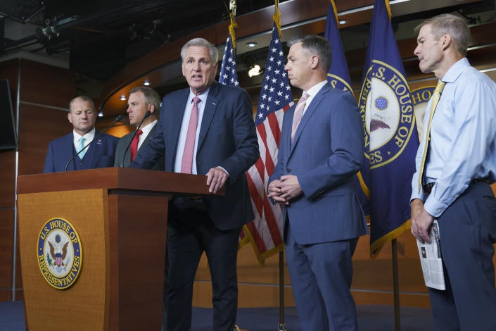 Kevin McCarthy, center