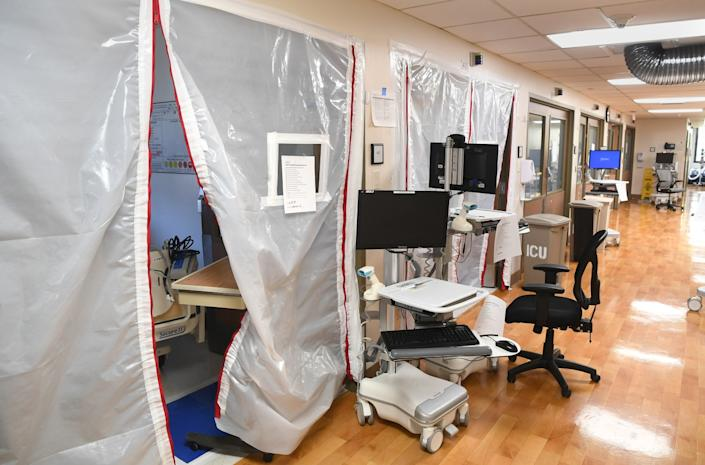 """An empty ICU ward used for COVID patients at Los Angeles Surge Hospital. <span class=""""copyright"""">(Wally Skalij/Los Angeles Times)</span>"""