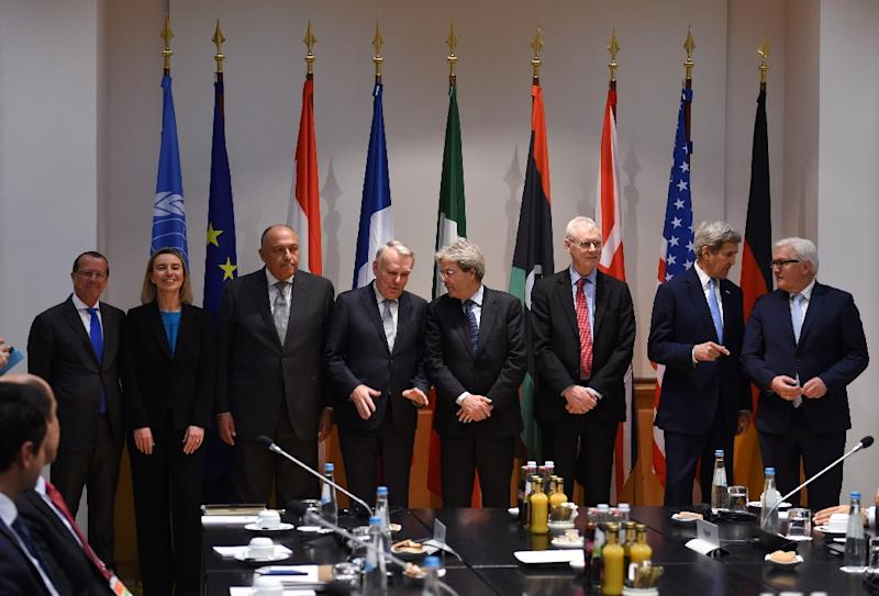 A meeting concerning Libya on the sidelines of the Munich Security Conference on February 13, 2016 (AFP Photo/Christof Stache)