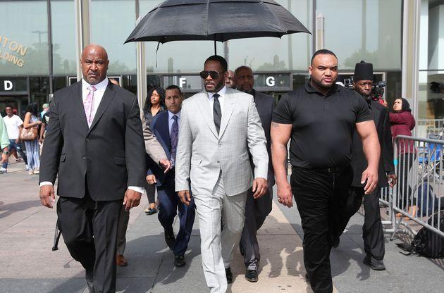 R. Kelly leaves the Criminal Court Building in Chicago after pleading not-guilty during a hearing on 11 new counts of criminal sexual abuse in 2019. (Photo: Daniel Acker via Reuters)
