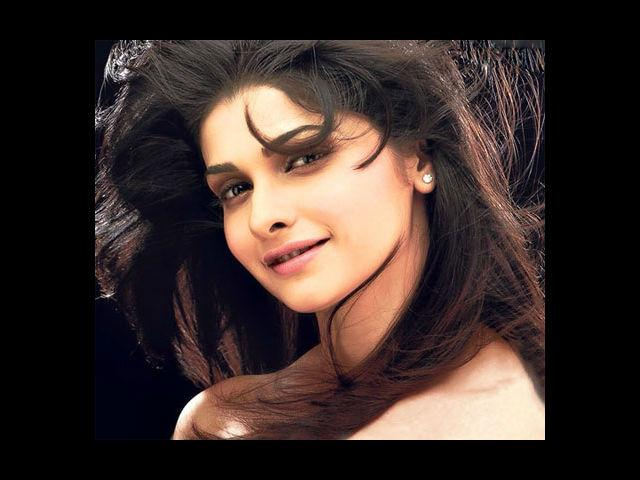 <b>5. Prachi Desai: Goa</b><br>In an attempt to perhaps appeal the youth, who are the main visitors of Goa, young actress Prachi Desai was selected to be the state's brand ambassador. The 'Once Upon a Time In Mumbaai' star was seen in the 'Go crazy, go wild, go Goa' TV advertisement.