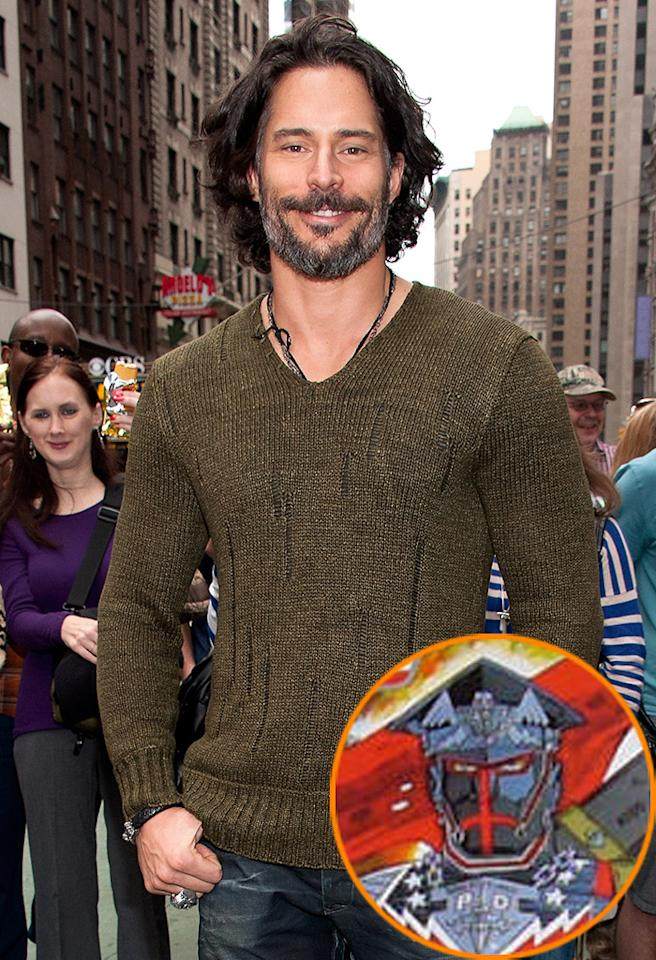 "Joe Manganiello Visits ""Extra"""