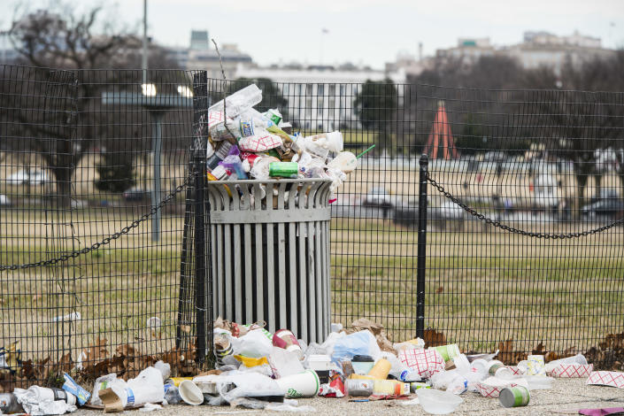 Garbage overflows a trash can on the National Mall across from the White House on Jan. 1, 2019. The National Park Service, which is responsible for trash removal, is not operating due to the government shut down. (Photo: Bill Clark/CQ Roll Call)