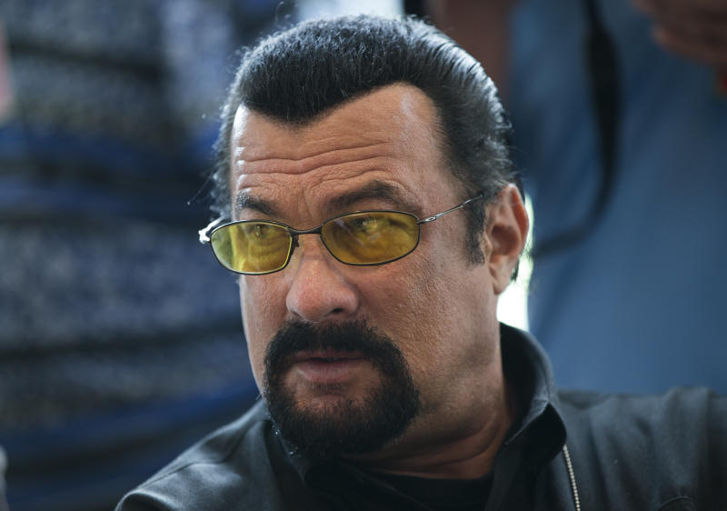 Russia wants Seagal to be face of weapons industry