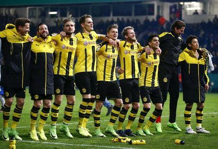 Football Soccer - Sportfreunde Lotte v BVB Borussia Dortmund - German Soccer Cup - Bremer Bruecke stadium, Osnabrueck,  Germany  - 14/03/17 - Borussia Dortmund's players react after German Cup (DFB Pokal) quarter final.      REUTERS/Wolfgang Rattay