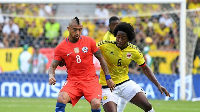 Carlos Sánchez & Arturo Vidal Colombia vs Chile Eliminatoria 10112016