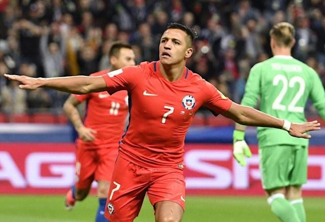 "The Chile-Germany match was largely a dud, but <a class=""link rapid-noclick-resp"" href=""/soccer/players/alexis-sánchez"" data-ylk=""slk:Alexis Sanchez"">Alexis Sanchez</a> reminded everyone he's anything but. (AP)"