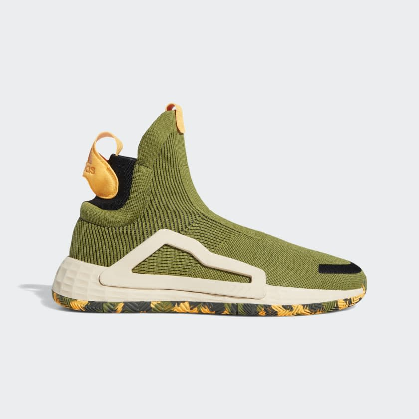"""<p><strong>adidas</strong></p><p>adidas.com</p><p><strong>$180.00</strong></p><p><a href=""""https://go.redirectingat.com?id=74968X1596630&url=https%3A%2F%2Fwww.adidas.com%2Fus%2Fn3xt-l3v3l-shoes%2FF97258.html&sref=http%3A%2F%2Fwww.menshealth.com%2Ffitness%2Fg26328412%2Fbest-basketball-shoes%2F"""" target=""""_blank"""">Shop Now</a></p><p>There may not be a shoe that locks down your foot, from toes all the way up to your ankle, more effectively than adidas' no-laces, slip-on N3XT L3V3Ls. There's nothing to think about here in terms of laces; you just slip them on and hit the court. Uncommon traction competes a solid package that's perfect for anyone with ankle sprain history who wants a little extra security.</p>"""