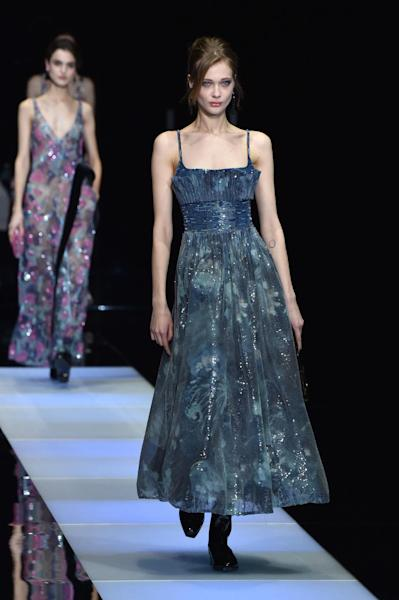 Giorgio Armani women Fall / Winter 2015/16