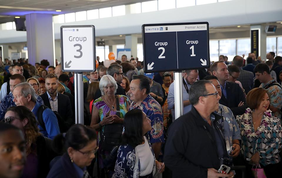 Passengers board a United Airline flight on November 7, 2017 in San Francisco, California. (Getty Images)