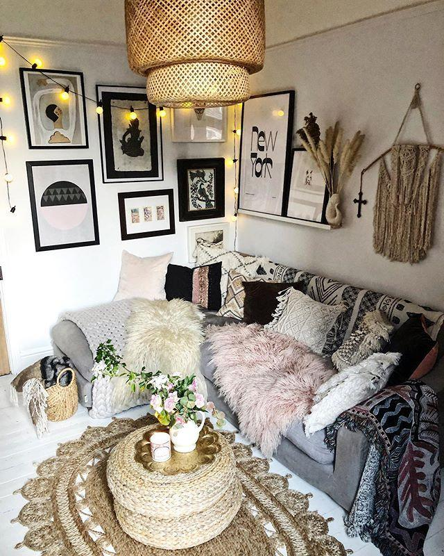 "<p>Cosy vibes! It's the ideal spot for a rainy day. </p><p><a href=""https://www.instagram.com/p/B_efCoJFQSV/"" rel=""nofollow noopener"" target=""_blank"" data-ylk=""slk:See the original post on Instagram"" class=""link rapid-noclick-resp"">See the original post on Instagram</a></p>"