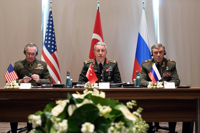 Chief of the General Staff of the Turkish Armed Forces, Hulusi Akar (C), US Chariman of the Joint Staff General Joseph Dunford (L) and Russian Chief of General Staff General Valery Gerasimov meet in Antalya