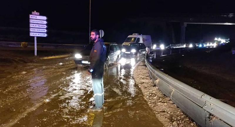 Rescuers still searching for missing child and two foreigners — MALLORCA FLOODING DISASTER