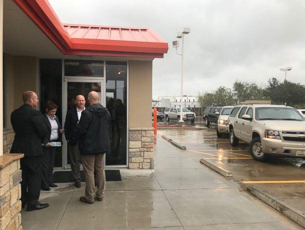 PHOTO: Secret service wait outside a Whataburger in Corpus Christi, Texas, on December 6, 2017, while first lady Melania Trump and second lady Karen Pence order inside. (Twitter/JRHDZV)