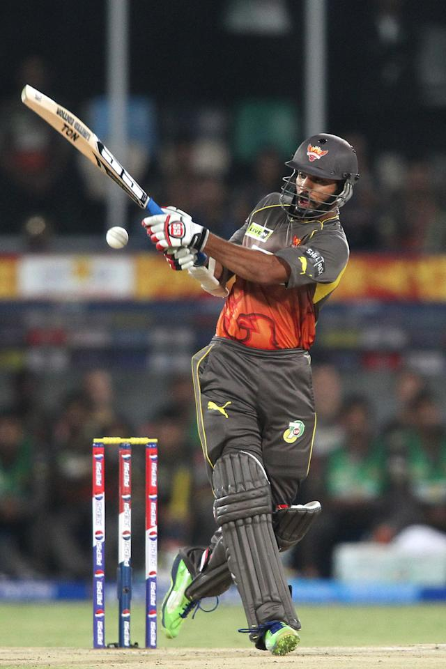 Shikhar Dhawan of Sunrisers Hyderabad miss times his pull shot during match 72 of the Pepsi Indian Premier League between The Sunrisers Hyderabad and The Kolkata Knight Riders held at the Rajiv Gandhi International Stadium, Hyderabad on the 19th May 2013.  (BCCI)