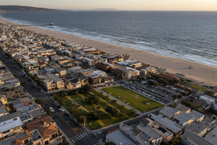 An aerial view of the beachfront properties seized by Manhattan Beach almost a century ago