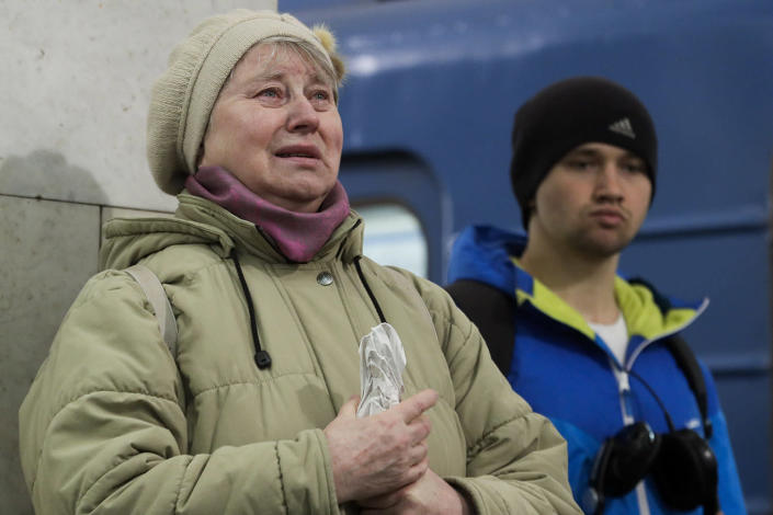 <p>A woman cries as she pays her last respects at a symbolic memorial at Tekhnologichesky Institute subway station in St. Petersburg, Russia, Tuesday, April 4, 2017. A bomb blast tore through a subway train deep under Russia's second-largest city St. Petersburg Monday, killing several people and wounding many more in a chaotic scene that left victims sprawled on a smoky platform. (Dmitri Lovetsky/AP) </p>