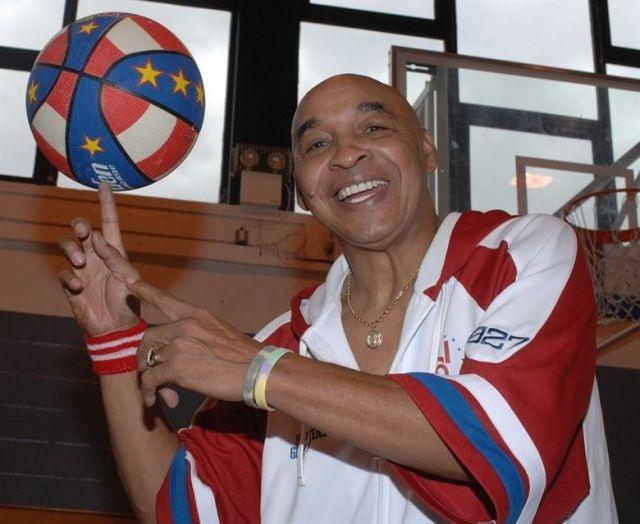 Globetrotters great Curly Neal dies
