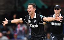 Trent Boult unsuccessfully appeals for the wicket of Jason Roy with his first ball (Photo by Paul ELLIS / AFP)