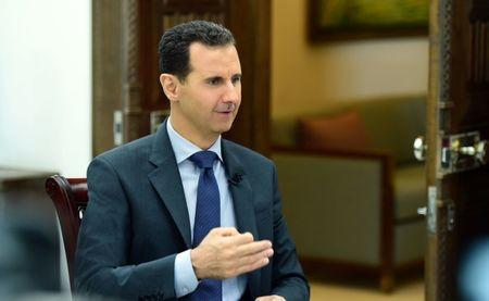 Syria: Trump urges Moscow to rein in Assad, Iran