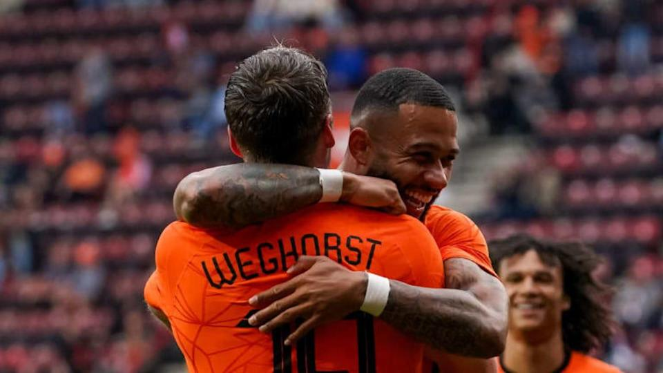 Wout Weghorst, Memphis Depay | BSR Agency/Getty Images