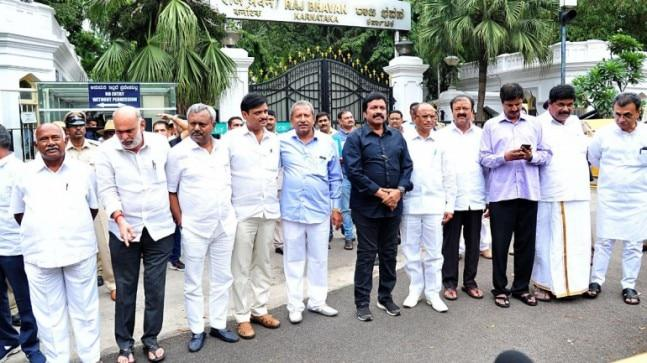 Four MLAs, including BC Patil, were spotted leaving the hotel in a car towards Siddhivinayak temple. However, their destination could not be confirmed.