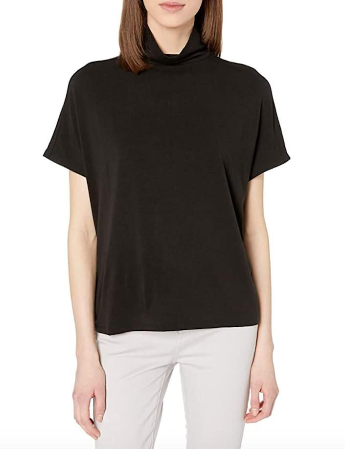 """""""I've decided that I'm basically living in t-shirts for the whole summer. I'm a big fan of mock-necks and <a href=""""https://amzn.to/2BuT62e"""" rel=""""nofollow noopener"""" target=""""_blank"""" data-ylk=""""slk:this one"""" class=""""link rapid-noclick-resp"""">this one</a> seems like one that'll go with everything in my closet. Plus, I can throw a blazer over it once it starts getting chilly."""" <strong>- Pardilla </strong><br><br><a href=""""https://amzn.to/2BuT62e"""" rel=""""nofollow noopener"""" target=""""_blank"""" data-ylk=""""slk:Originally $26, find it on sale for $16"""" class=""""link rapid-noclick-resp"""">Originally $26, find it on sale for $16</a>. Prices may vary depending on the size and color."""