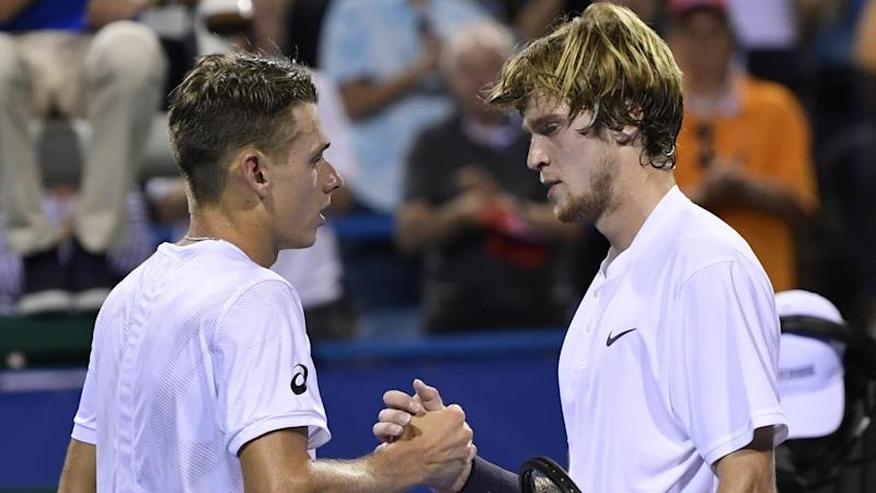 Alexander Zverev (R) has prevailed over Australia's Alex De Minaur (L) in the Washington Open final