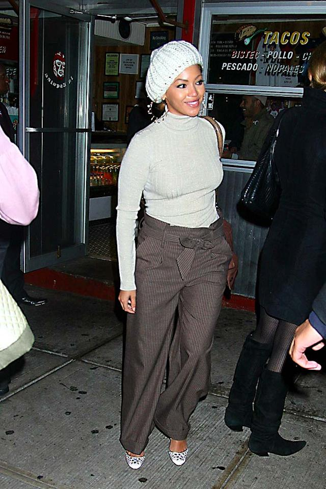 "Beyonce should really consider locking the doors on the House of Dereon. The aspiring fashion designer and her questionable line have yet to produce a decent outfit for the diva. Demis Maryannakis/<a href=""http://www.splashnewsonline.com"" target=""new"">Splash News</a> - November 14, 2007"