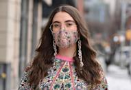 <p>Try pairing a printed mask and dress together by mixing similar color palettes.</p>