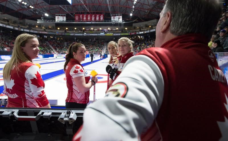 "Carey coach tells official to ""shut up"" at Canadian women's curling championship"