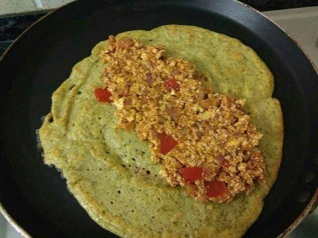 Paneer Stuffed Chilla With Mint Chutney