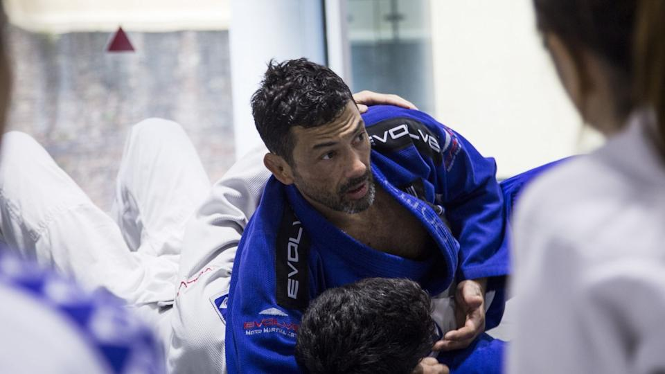Dealing with and overcoming challenges that BJJ presents helps to build mental strength. (PHOTO: Evolve MMA)