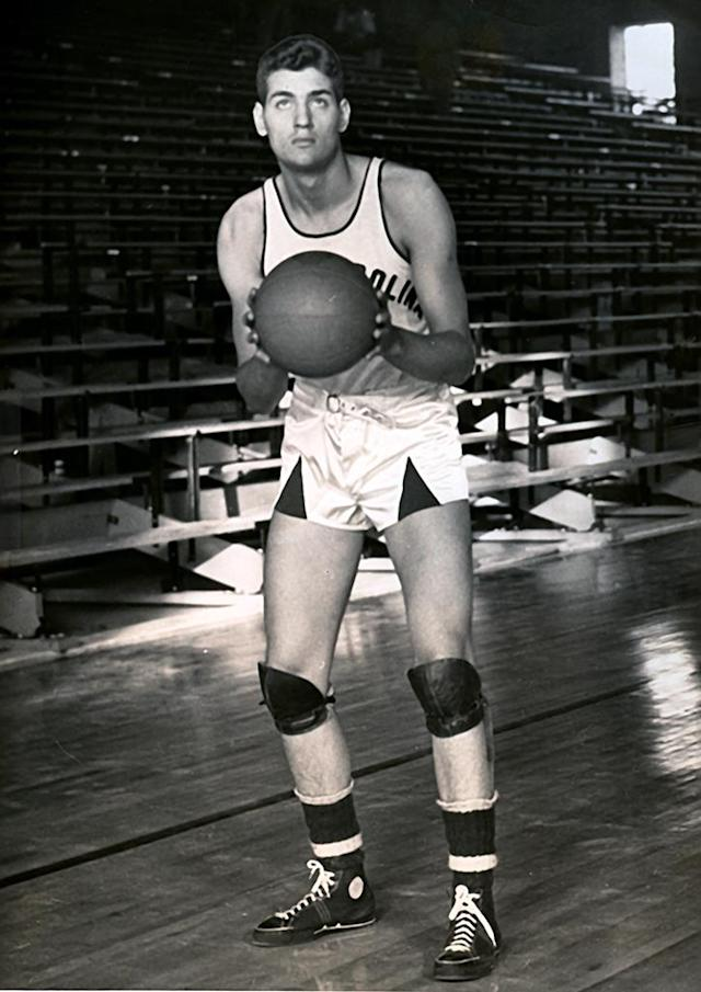 George Glamack of the North Carolina Tar Heels poses for an action portrait circa 1938 in Chapel Hill, North Carolina.