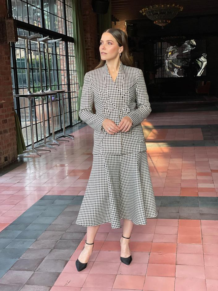 I love how classic yet modern this suit feels. It has elements that feel almost vintage to me yet feels so current. It reminds me of Diane Keaton! What an icon.