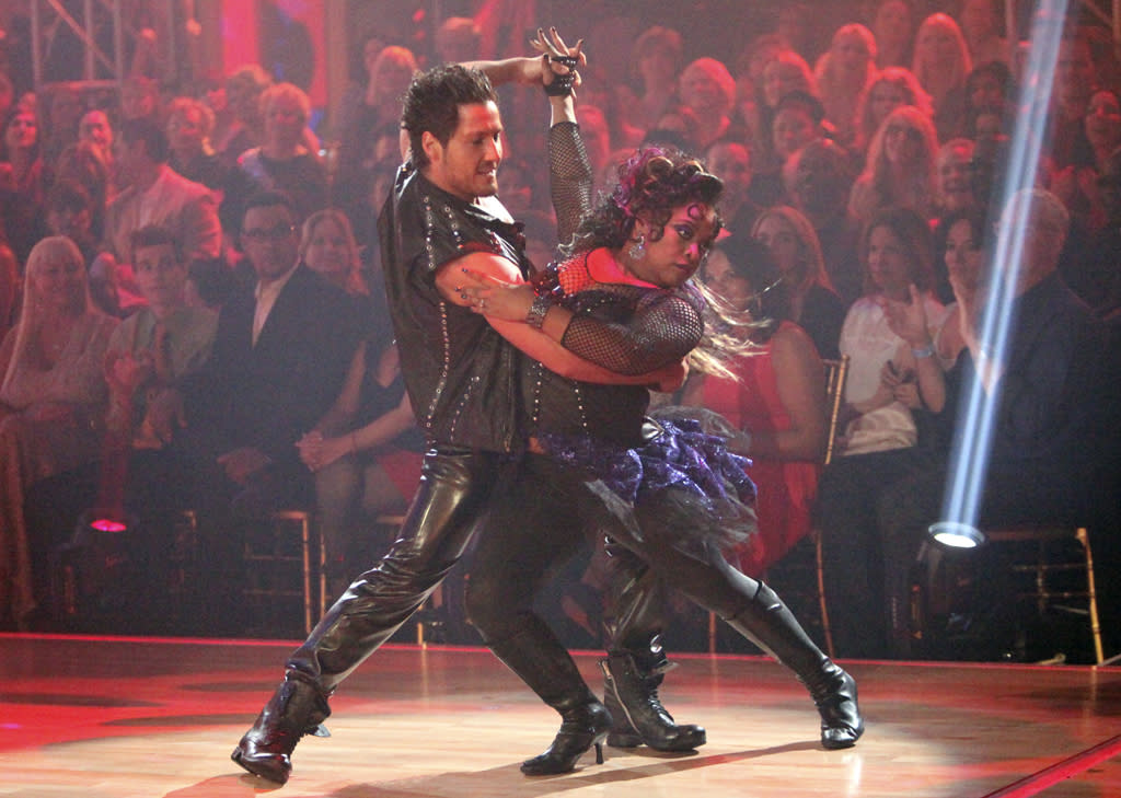 "<p class=""MsoNormal""><span style=""font-size:10.0pt;"">""The View"" vet Sherri Shepherd delivered fierceness (despite her fishnet-accented fashion faux pas) as she and Valentin Chmerkovskiy stomped out a tango to ""Cum on Feel the Noize"" in Week 4.</span></p>"
