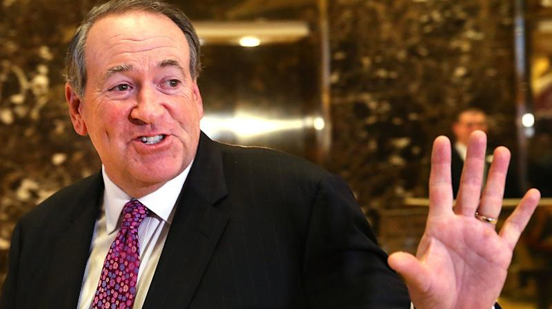 Mike Huckabee Skewered Over 'Despicable' Joke About Ruth Bader Ginsburg