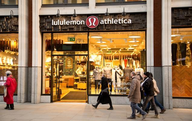 Here's Why lululemon's a Hot Investment Pick Right Now