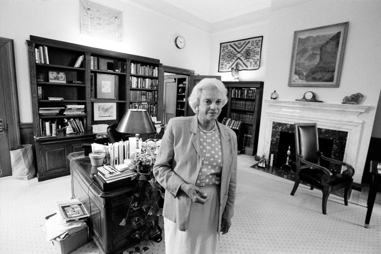 U.S. Supreme Court Justice Sandra Day O'Connor in her chambers in 2002. (Photo: David Hume Kennerly/Getty Images)