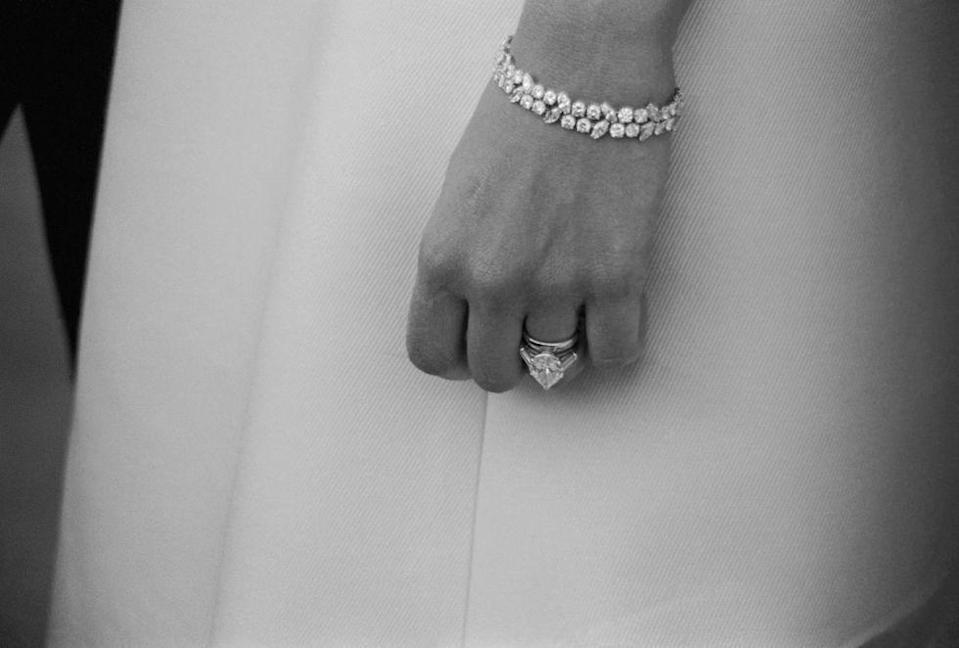 <p>When Frank Sinatra proposed to Mia Farrow, the singer was prepared with a 9 carat solitaire pear-shaped diamond set in tapered baguettes. Although the couple's marriage only lasted two years, the resurgence of pear-shaped diamonds took off throughout the next decade.</p>
