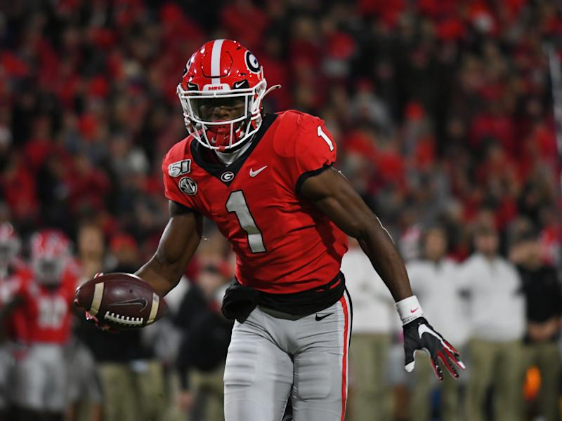 ATHENS, GA - NOVEMBER 09: Georgia Bulldogs Wide Receiver George Pickens (1) rushes the ball during the game between the Missouri Tigers and the Georgia Bulldogs on November 09, 2019, at Sanford Stadium in Athens, Ga.(Photo by Jeffrey Vest/Icon Sportswire via Getty Images)