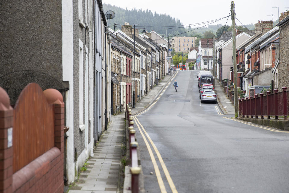 CAERPHILLY, WALES, UNITED KINGDOM - SEPTEMBER 08, 2020 - A residential street of terraced houses near Caerphilly town centre ahead of a new localised coronavirus lockdown across Caerphilly County imposed by the Welsh Government after a rise in confirmed cases. - PHOTOGRAPH BY Mark Hawkins / Barcroft Studios / Future Publishing (Photo credit should read Mark Hawkins/Barcroft Media via Getty Images)
