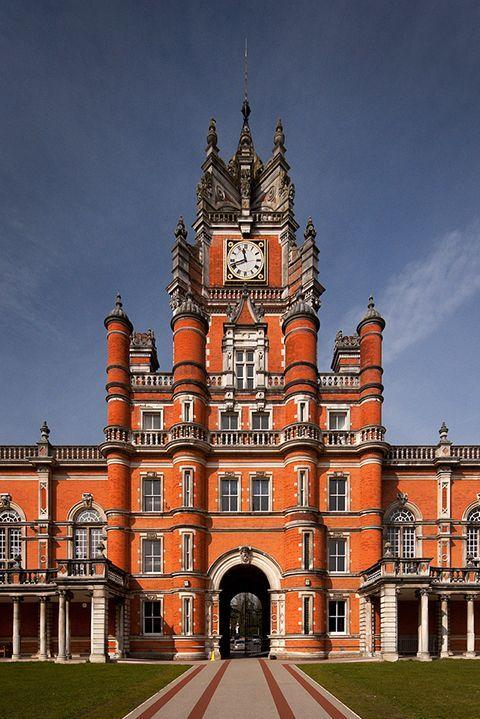 """<p>We can't believe this regal red brick fortress is a university and not a real-life Disney castle. Featured is the Royal Holloway, one of the 18 independent member institutions of the school. This particular campus embodies 135 acres of stunning parkland, so plenty of space for work and play.</p><p><em>photo: </em><a href=""""https://www.flickr.com/creativecommons/"""" rel=""""nofollow noopener"""" target=""""_blank"""" data-ylk=""""slk:Flickr Creative Commons"""" class=""""link rapid-noclick-resp""""><em>Flickr Creative Commons</em></a><br></p>"""