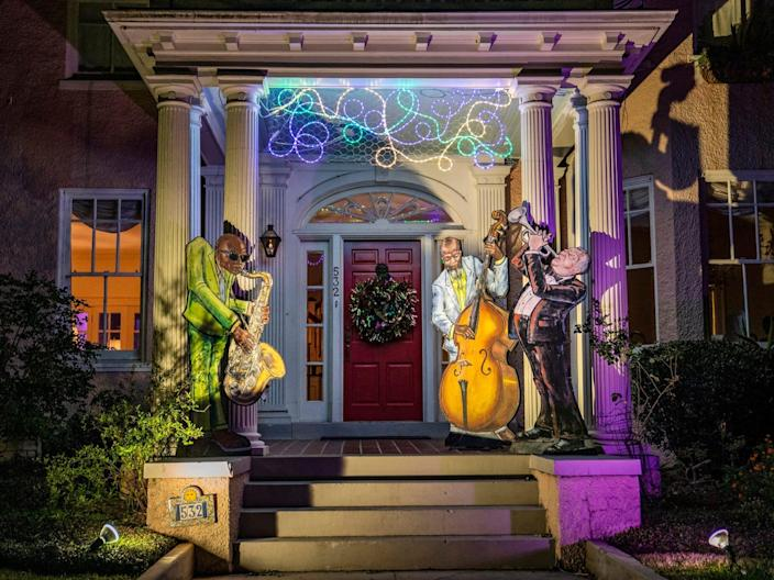 New Orleans jazz trio house float Mardis Gras 2021