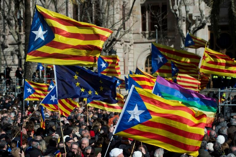 A Spanish prosecutor said that regional leaders of Catalonia would be charged over their plans to hold an independence referendum next month and that all voting material would be seized